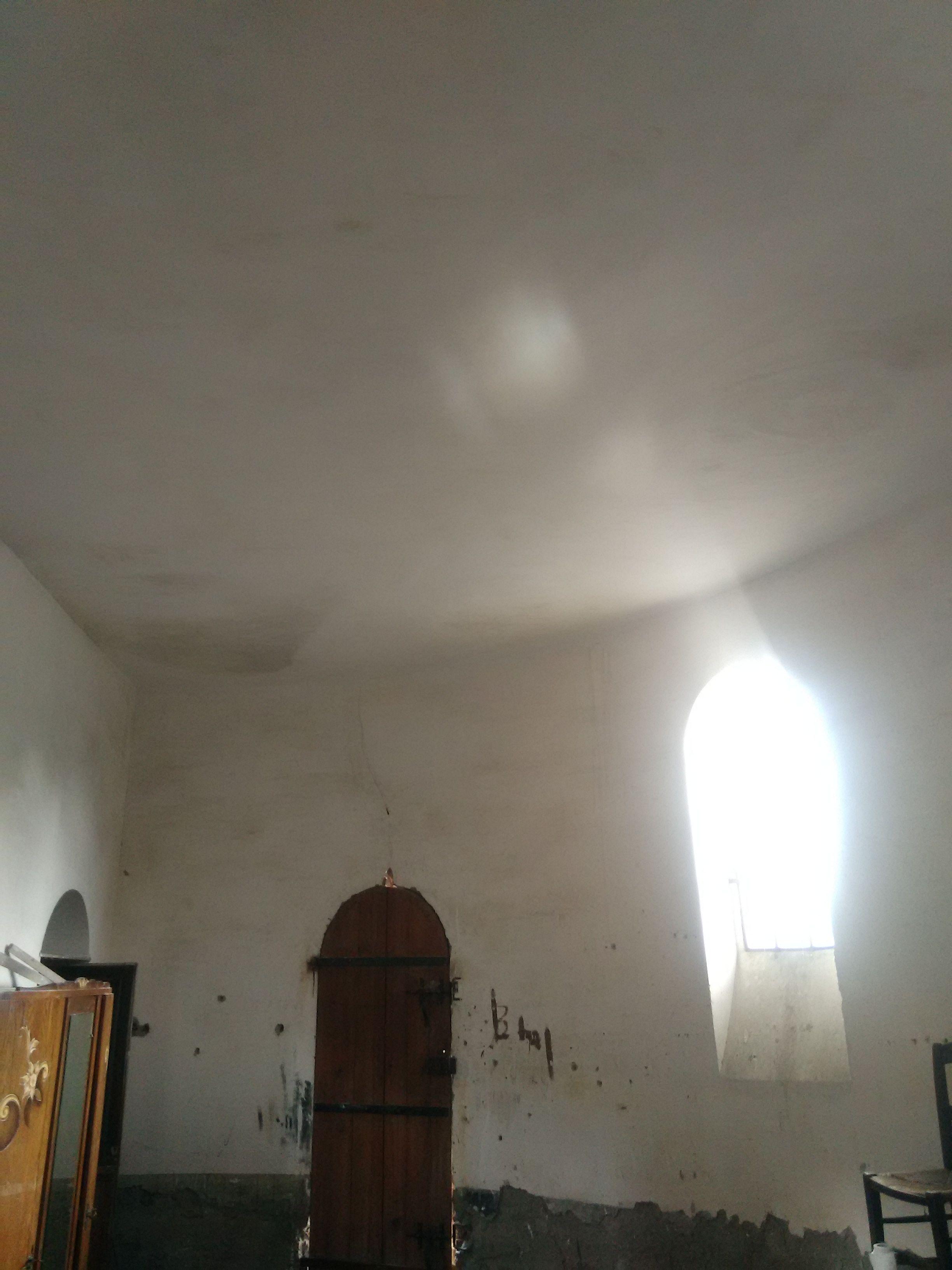 Le plafond de la sacristie est termine for Tres bonne peinture pour plafond